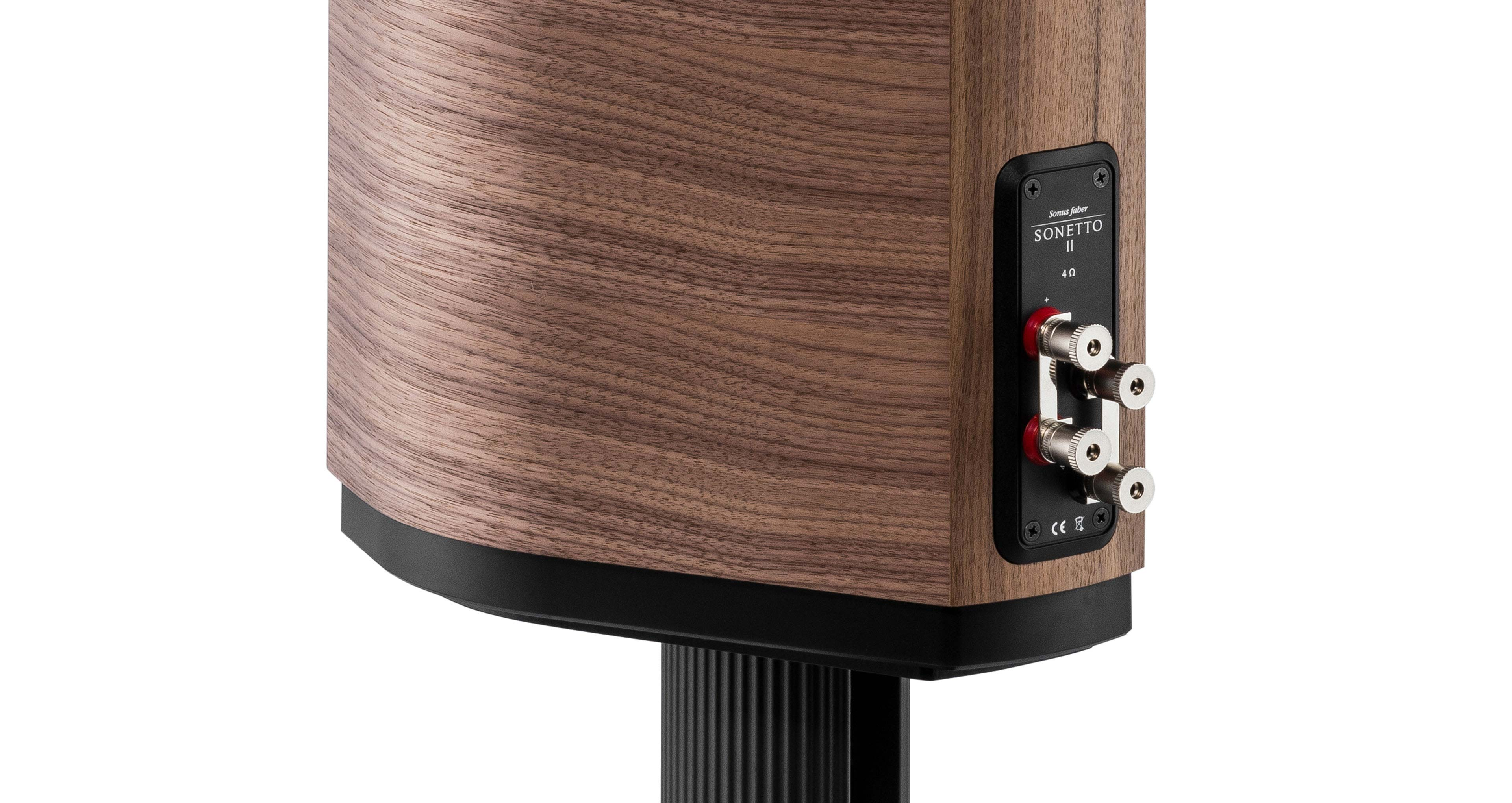 High quality speaker with Sonetto II wooden case